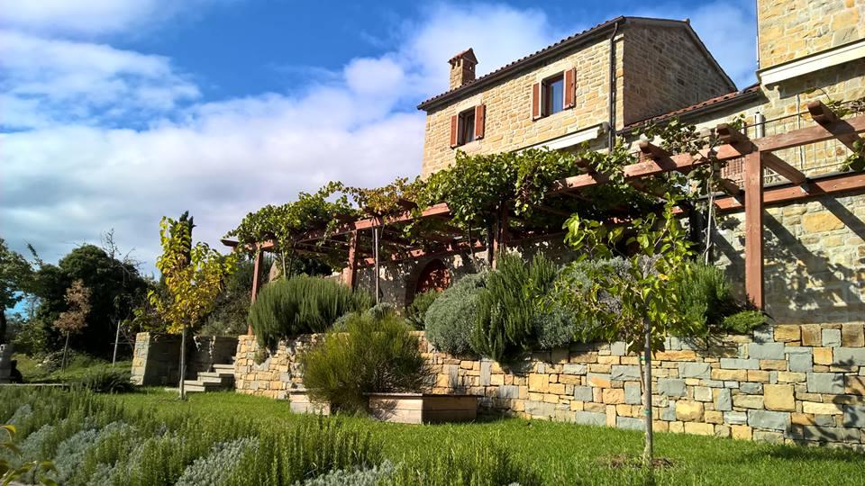 case in pietra d'istria