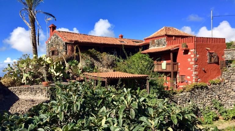 Una casa ecologica in un villaggio di montagna a Aripe