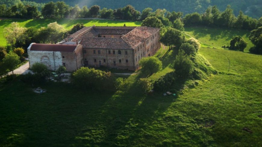 La bellezza del monastero montebello dove si trova l'agriturismo biologico