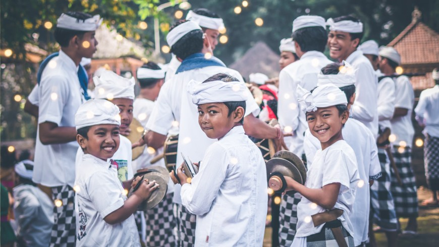 Local kids in Bali. Photo by: Belart84, via: Unsplash