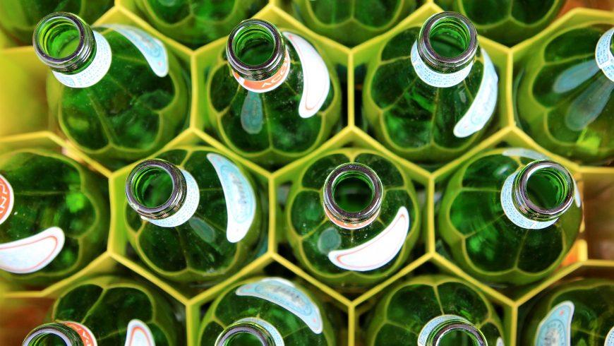 Elimina la plastica ed utilizza solo bottiglie di vetro
