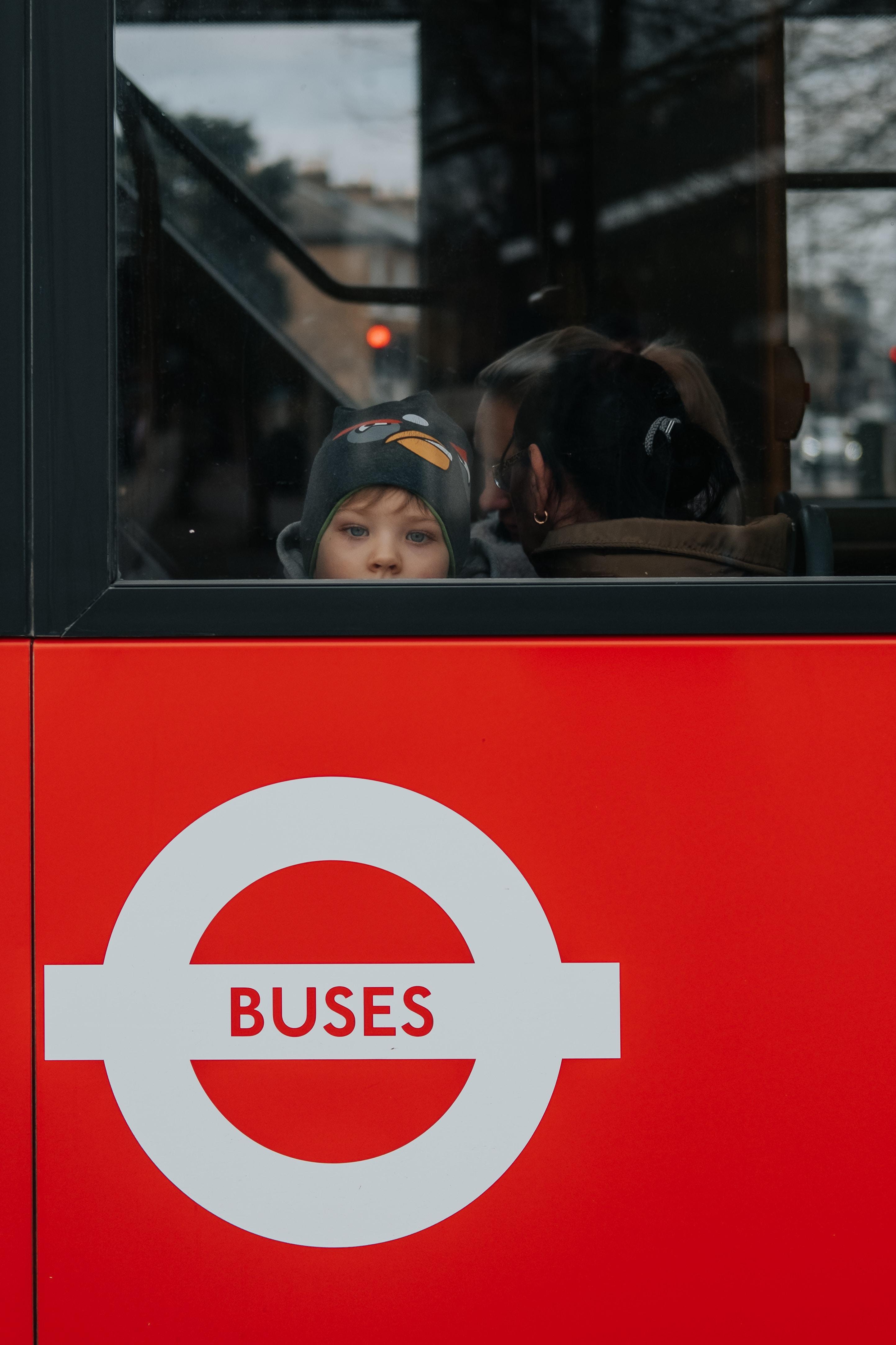 utilizza i trasporti pubblici con i bambini ogni volta che puoi
