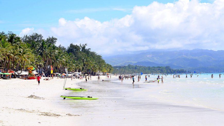 Boracay, filippine chiusa per overtourism