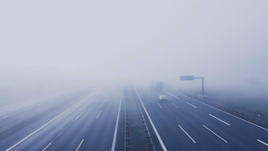 nebbia su autostrada