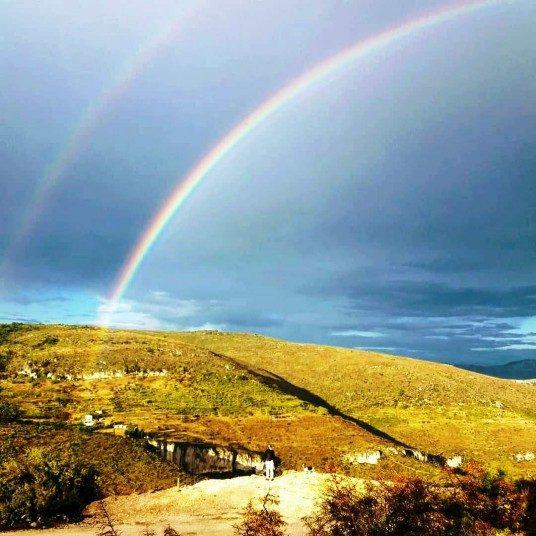 Arcobaleno sul paesaggio rurale
