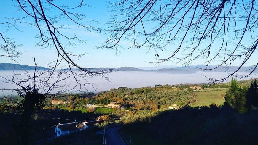 vista mozzafiato dall ecobnb casa cares verso le colline