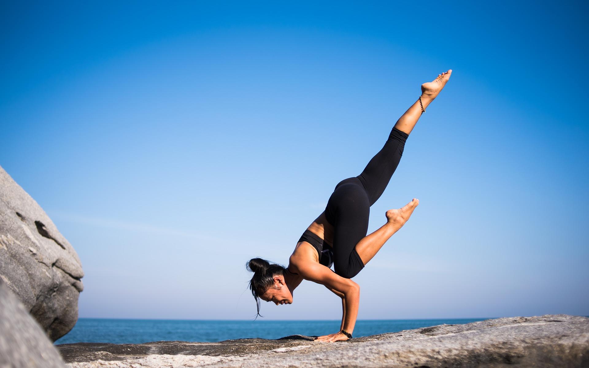 i benefici degli esercizi yoga