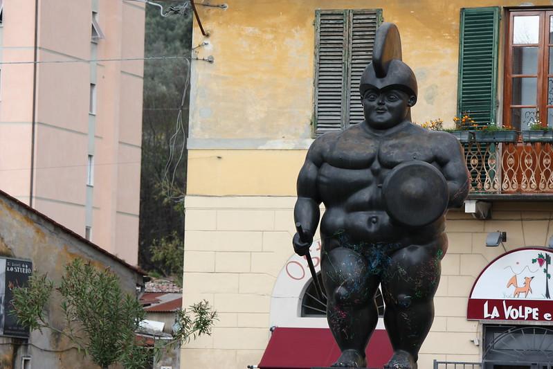il Guerriero di Botero a Pietrasanta