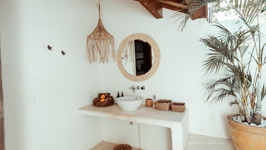 Sala da bagno con decorazioni sostenibili, Mule Malu Tropical Stay