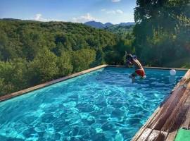 piscina Enchanting Hill