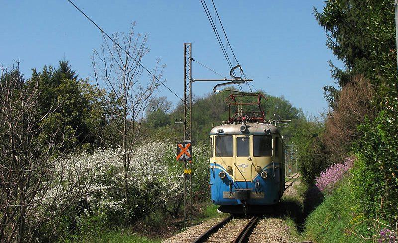 La ferrovia Genova-Casella, dal mare verso la montagna