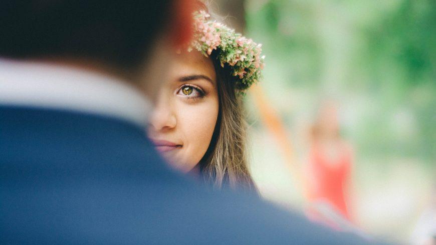 Sposa ad un matrimonio eco-friendly