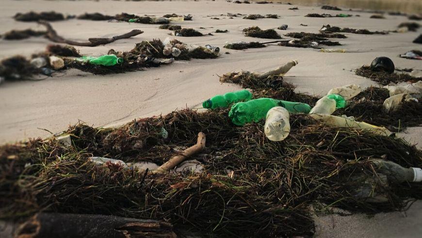 inquinamento plastica delle spiagge