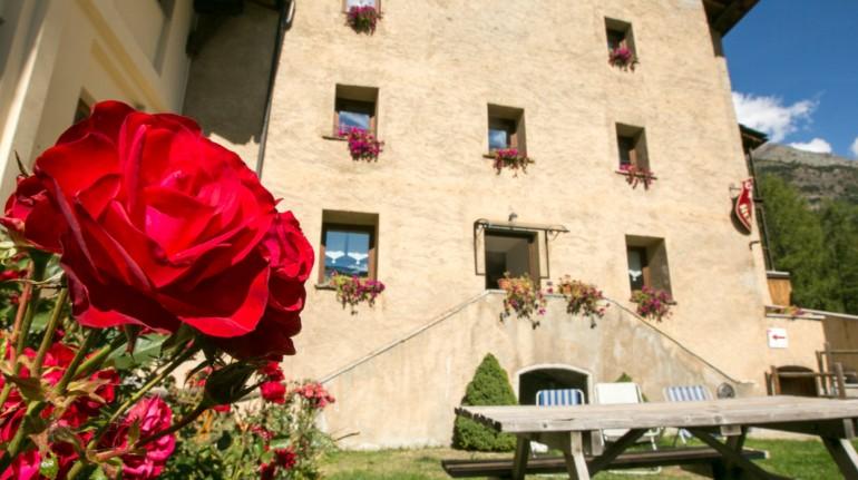 Un antico castello trasformato in hotel eco-sostenibile