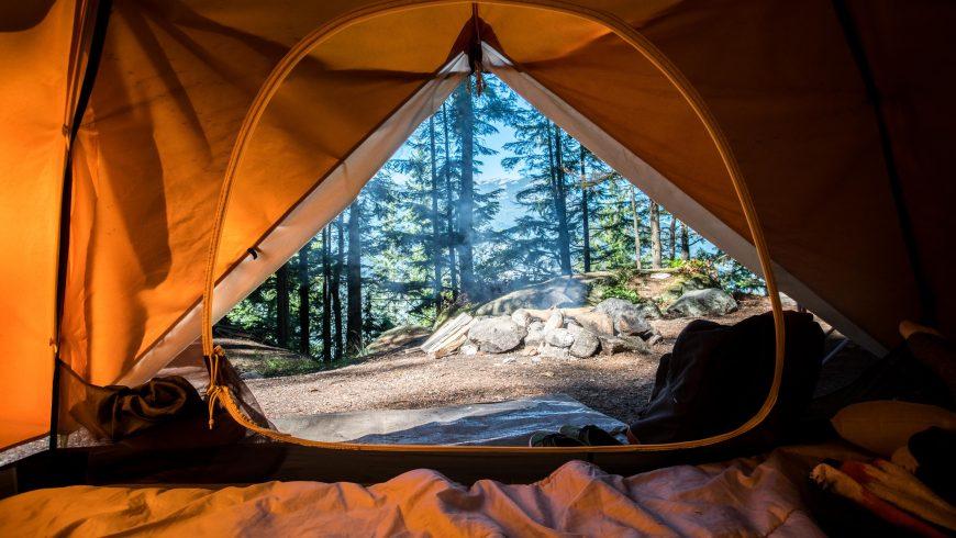 eco-camping tenda nel bosco