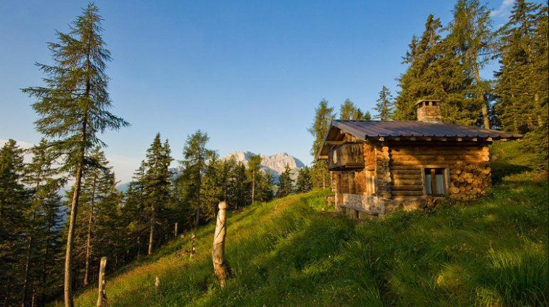 Eco-Chalet tra le Alpi Italiane