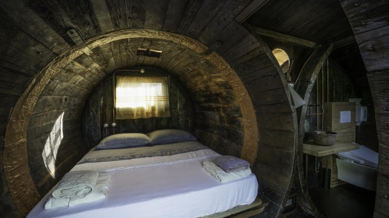 ecohotel coroncina, botte di legno