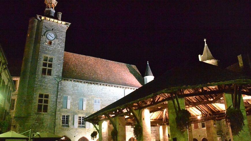mercato di Martel la notte