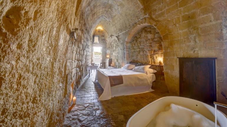 Ecohotel e albergo diffuso nelle grotte