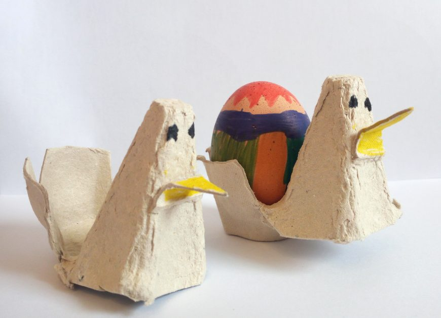 Galline di cartone, reciclando i contenitori delle uova