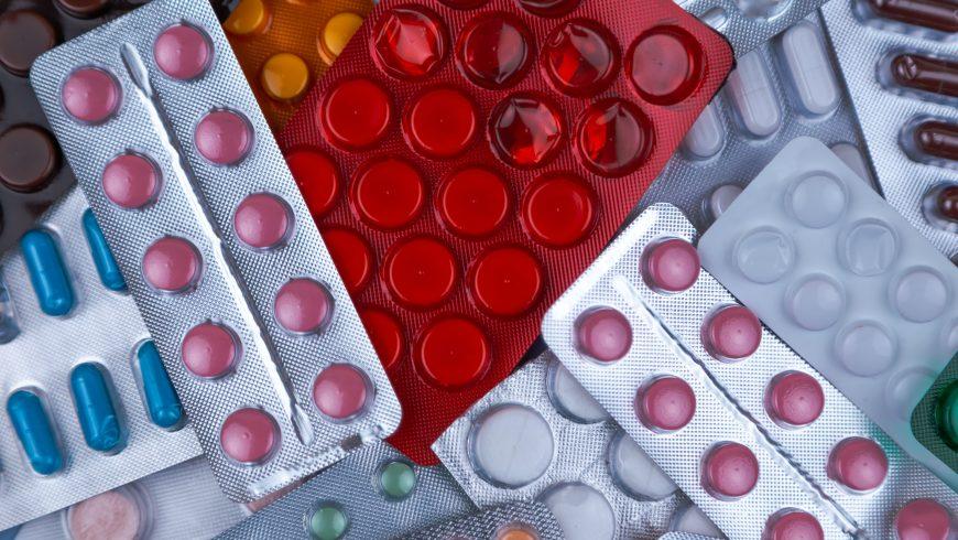 Pillole mediche in confezione di plastica
