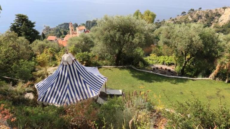 Mortola, Una vacanza in gruppo sul mare della Liguria