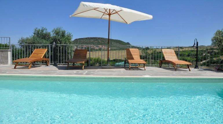 Villa con piscina in Sardegna