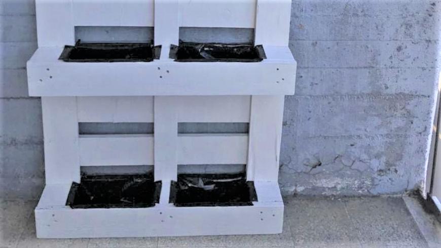 Giardino verticale: telo pacciamatura per contenere le piante