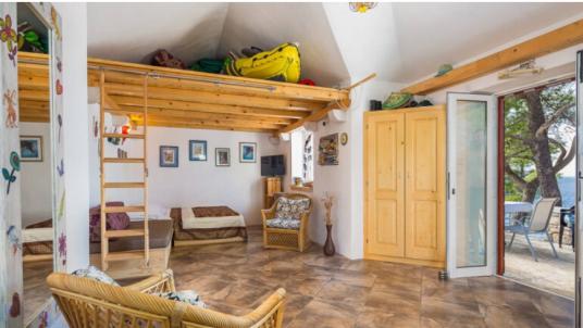 Vivi un'esperienza alla Robinson Crusoe presso il Cottage Vesna sull'isola di Brač