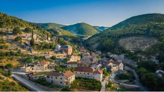 Il villaggio di Dol, nell'isola di Brač
