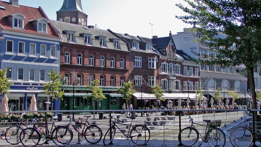 Aarhus: bar e biciclette
