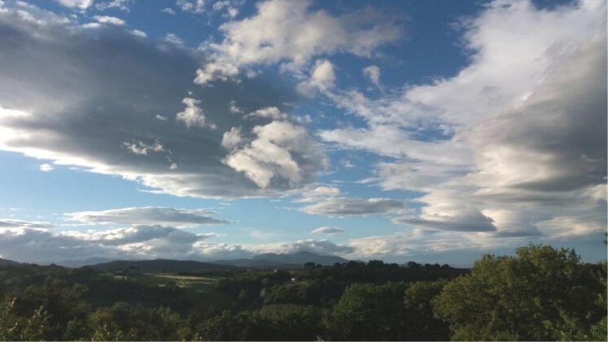 Vista della campagna dalla casa di paglia