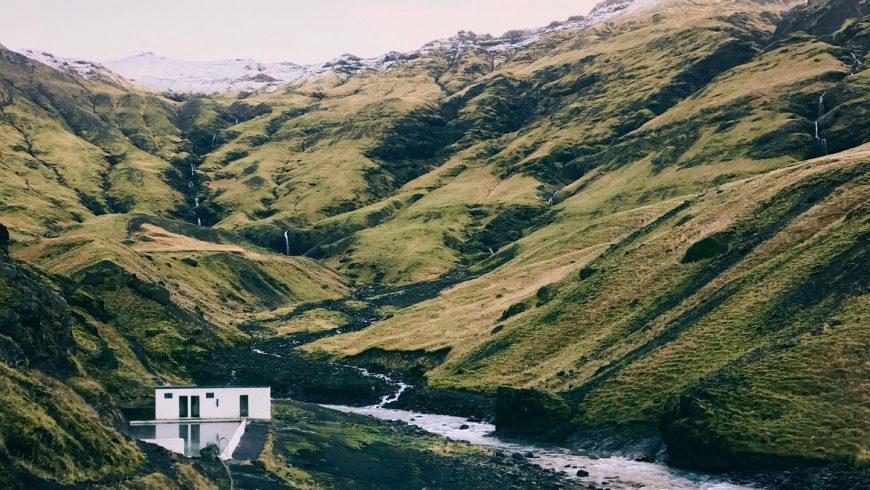 Seljavallalaug, Islanda.