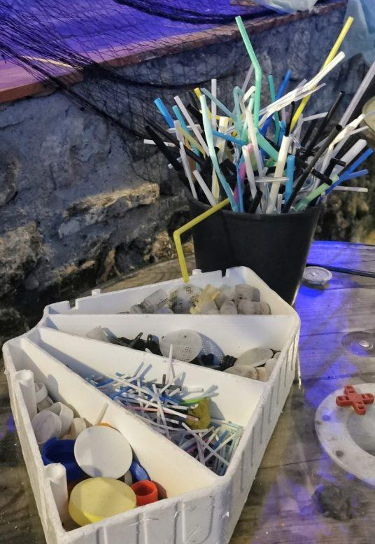 plastica raccolta in mare