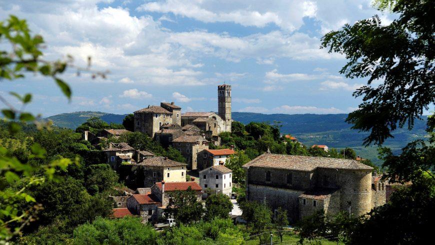 Panorama della cittadina Završje