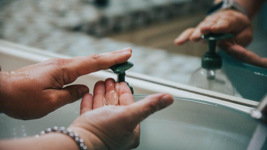 ridurre i rifiuti utilizzando dosatori per il sapone