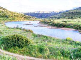 Percorso lungo fiume del parco naturale di Tepilora