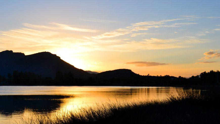 Mare romantico al tramonto