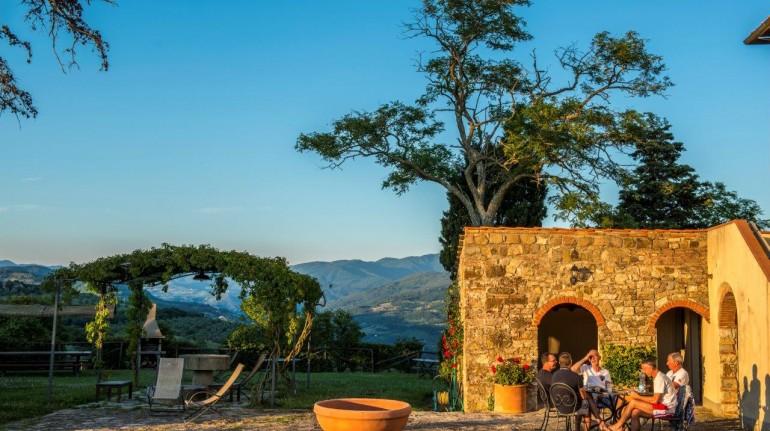 Fattoria Lavacchio, agriturismo ecosostenibile in Toscana, regno del vino