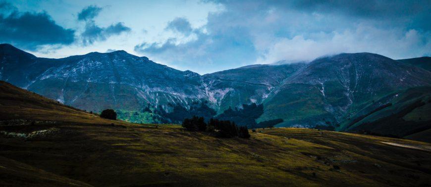 Vista dei monti Sibillini da Castelluccio