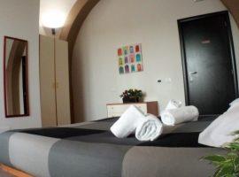 Camera da letto dell'affittacamere a Terracina