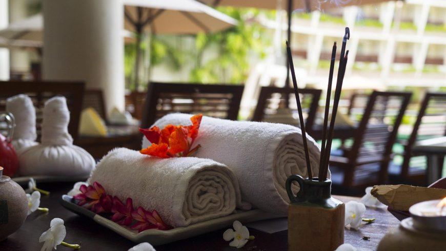Terapia di massaggio in un centro benessere