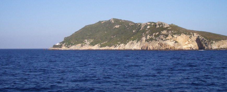L'isola Zannone, parte del Parco Nazionale del Circeo