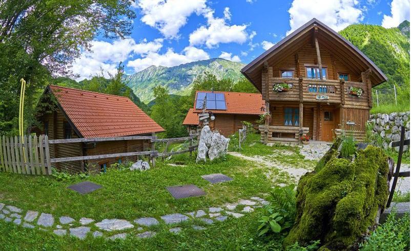 Glamping in Slovenia: ECO chalet al campeggio Koren