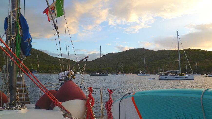 Una vacanza in barca a vela: l'occasione per entrare in contatto con la natura, con Madre Terra e il Dio Nettuno