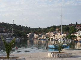 Drvenik-Veli-via-wikimedia-b.roveran