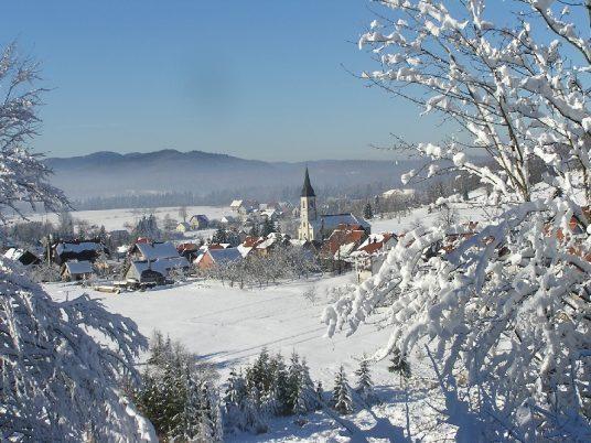 Ravna Gora. Photo by Martinarg on wikimedia