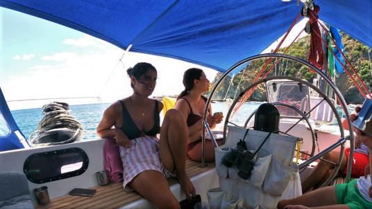 Cercare il coordinamento in barca con gli altri componenti dell'equipaggio