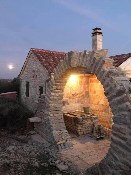 elemento architettonico del Moon Gate