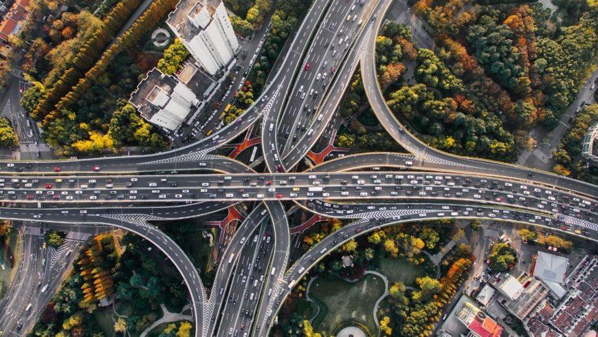 automobili, principale causa di emissioni di CO2